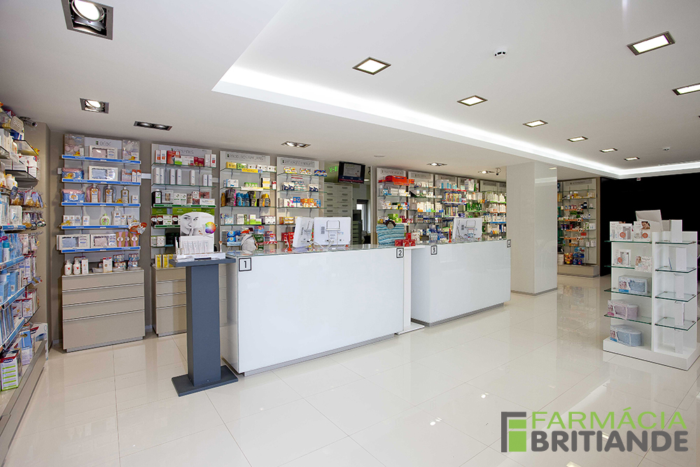 Zona de atendimento - frente 2 - Farmácia de Britiande